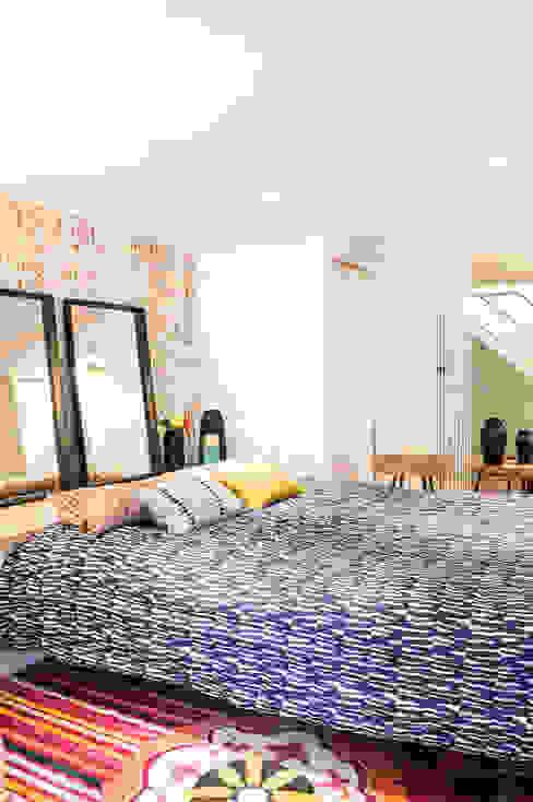 COLOMBE MARCIANO Dormitorios de estilo escandinavo