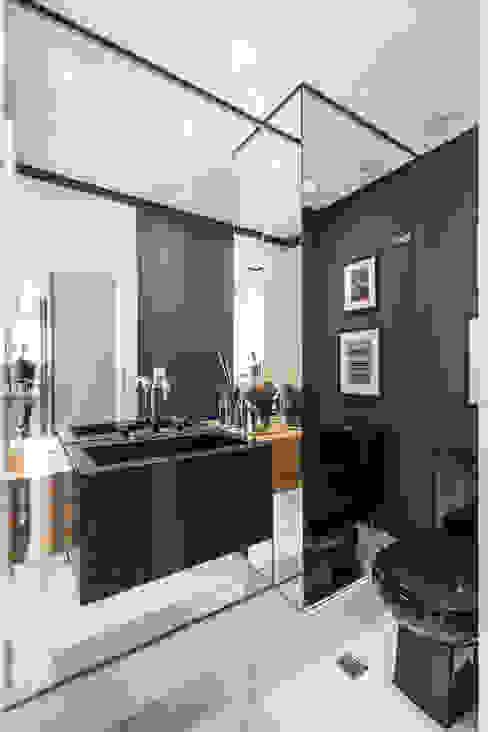 Encosta do Sol_POA/RS Banheiros modernos por Aline Dal Pizzol Aquitetura de Interiores Moderno