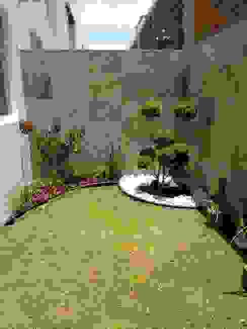 Jardines de estilo  por Arqca, Minimalista