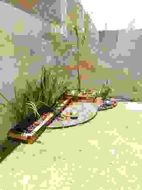 Jardins minimalistas por Arqca Minimalista