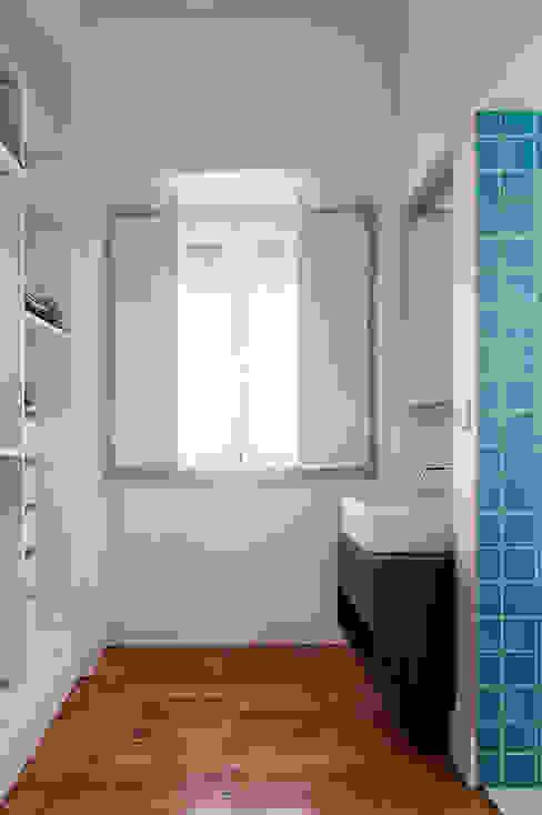 Quarto de vestir | Closet Closets modernos por FMO ARCHITECTURE Moderno