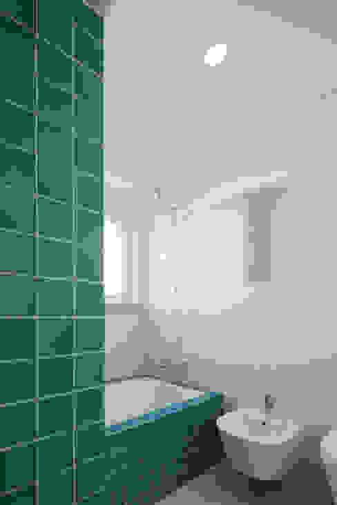 Casa de banho | Bathroom Casas de banho modernas por FMO ARCHITECTURE Moderno