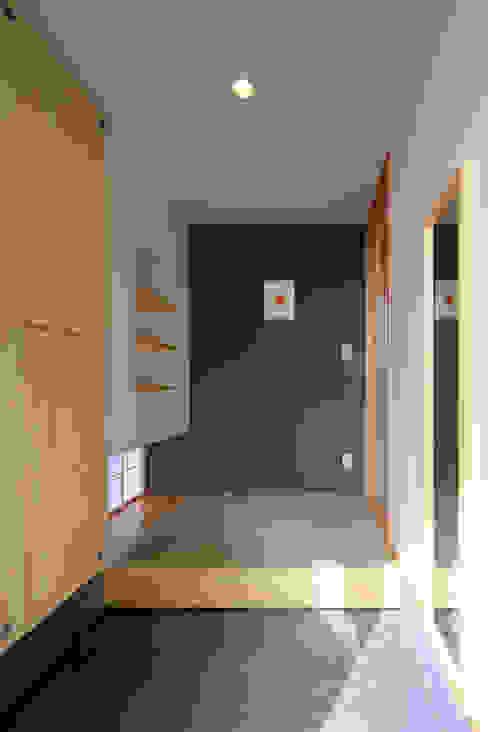 玄関ホール ミニマルスタイルの 玄関&廊下&階段 の ㈱ライフ建築設計事務所 ミニマル