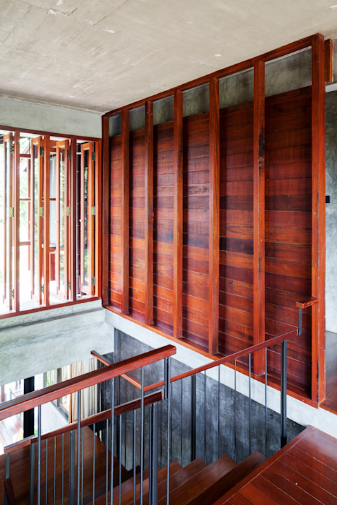 от บริษัท สถาปนิกชุมชนและสิ่งแวดล้อม อาศรมศิลป์ จำกัด Кантри Дерево Эффект древесины