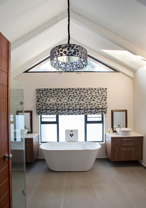 Bedforview Alterations FRANCOIS MARAIS ARCHITECTS Modern bathroom