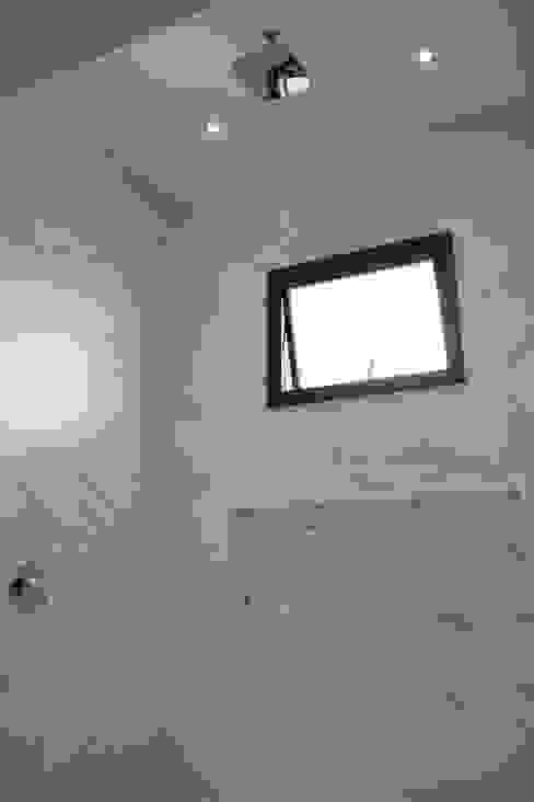 Baños de estilo  por Pz arquitetura e engenharia, Minimalista