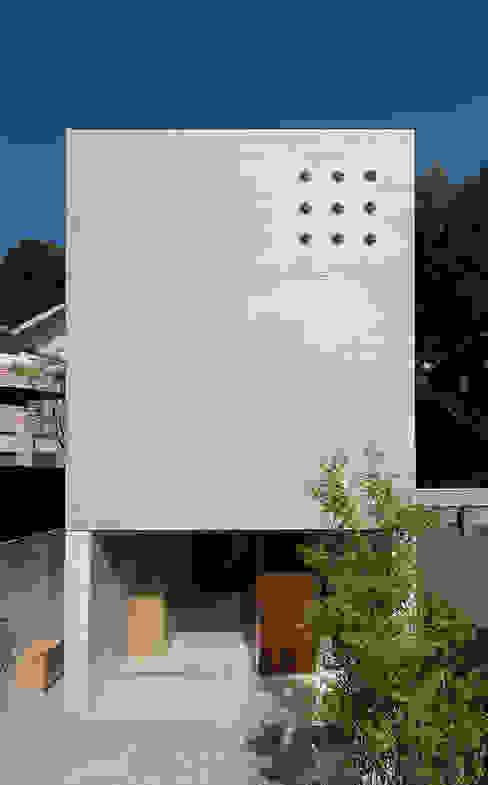 現代房屋設計點子、靈感 & 圖片 根據 Atelier Square 現代風 水泥