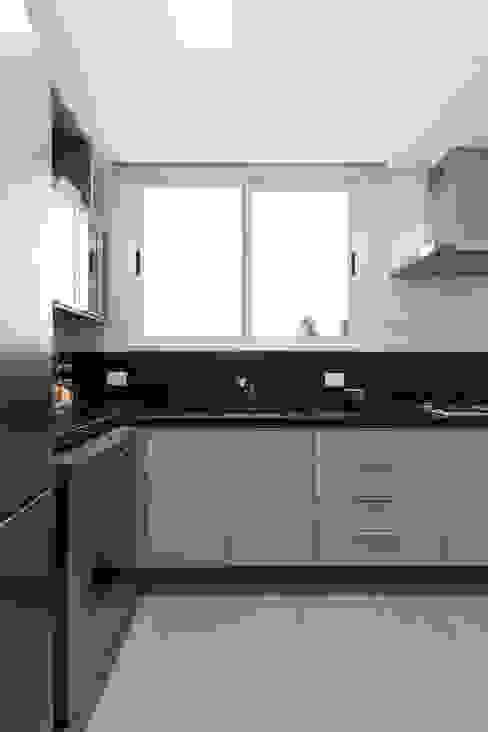 ECP | Cozinha Cozinhas minimalistas por Kali Arquitetura Minimalista