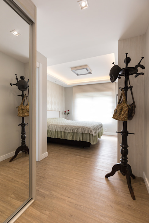 Minimalist bedroom by Kali Arquitetura Minimalist