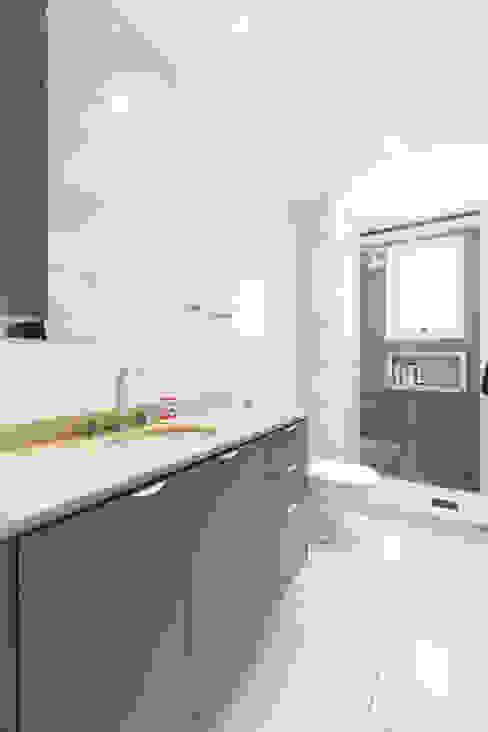 ECP | Banho Banheiros minimalistas por Kali Arquitetura Minimalista