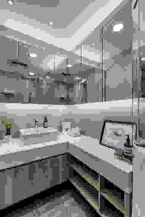 微型日光宅/C Residence Treasure Apartment 現代浴室設計點子、靈感&圖片 根據 爾聲空間設計有限公司 現代風