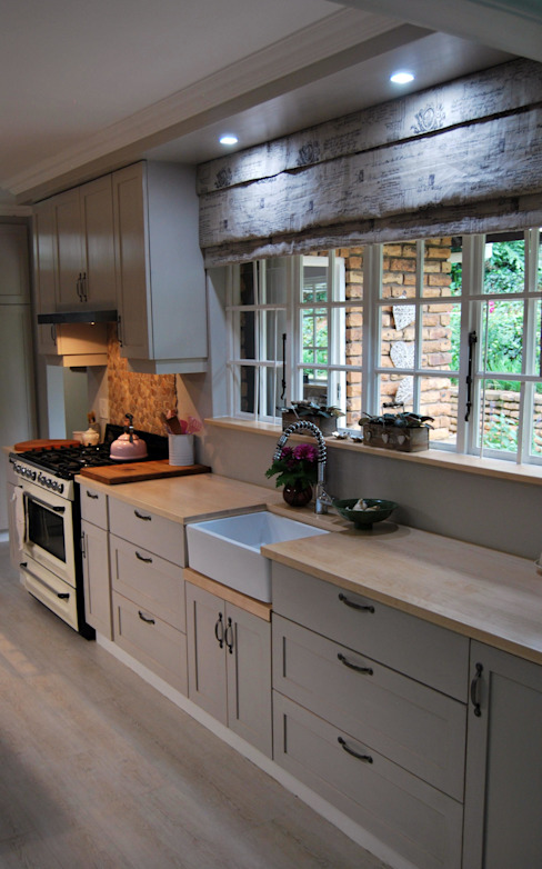 Country style kitchen by Capital Kitchens cc Country Wood Wood effect