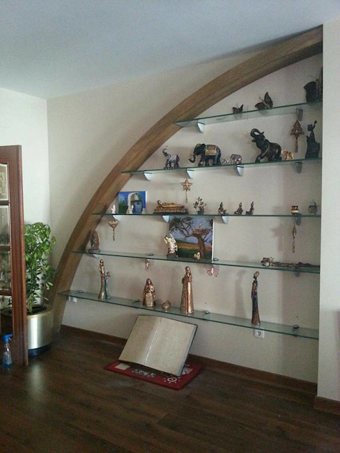 Estanteria semicircular de Estudio de Diseño Interior Moderno Madera Acabado en madera