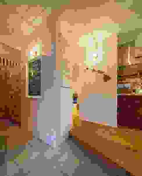 Couloir, entrée, escaliers originaux par dwarf Éclectique