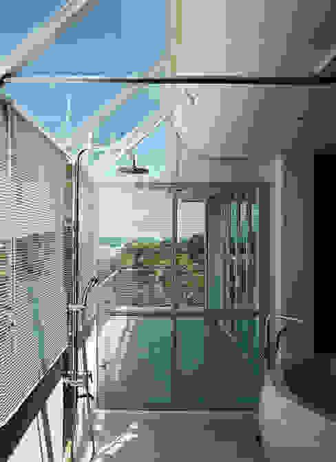 Bathroom 現代浴室設計點子、靈感&圖片 根據 鄭士傑室內設計 現代風