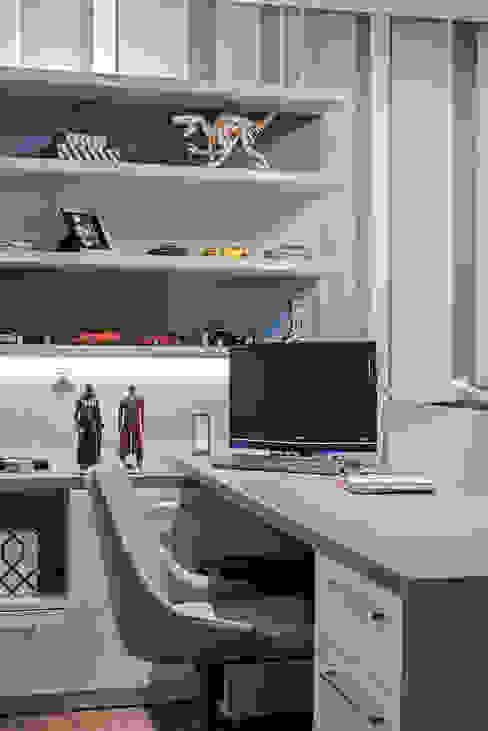 Modern Bedroom by TRÍADE ARQUITETURA Modern