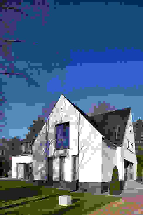Дома в стиле модерн от Lioba Schneider Модерн