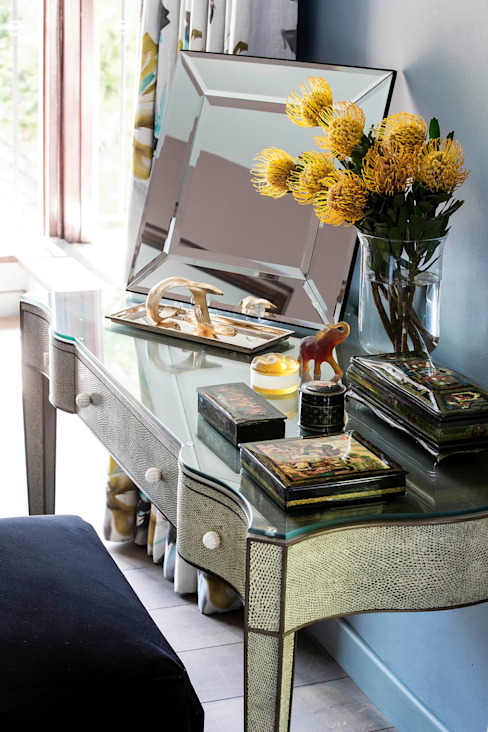 Master Suite Dressing Table by homify Eclectic Glass