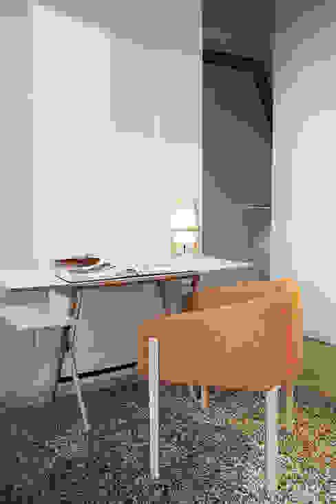 Zona notte, Studio Moretti MORE Studio moderno Bianco
