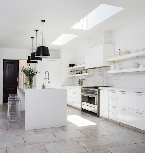 Chefs Kitchen homify Kitchen Quartz White