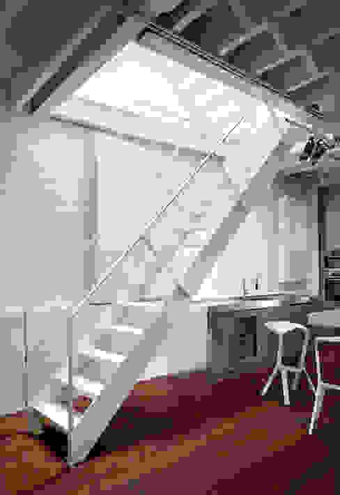 SA-DA Architecture 現代風玄關、走廊與階梯