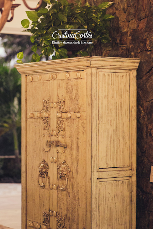 غرفة المعيشة تنفيذ Cristina Cortés Diseño y Decoración ,
