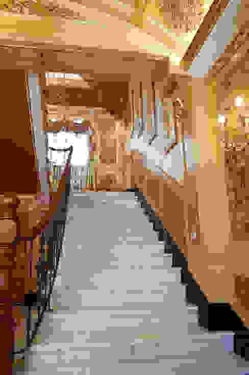 歐式古典建築及室內設計家具配置 地中海走廊,走廊和楼梯 根據 傑德空間設計有限公司 地中海風 刨花板