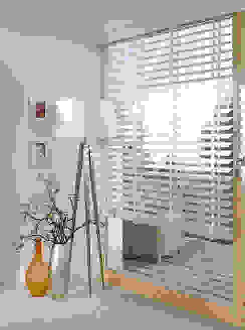 Pintu & Jendela Gaya Klasik Oleh Gama Styl Klasik Kayu Wood effect
