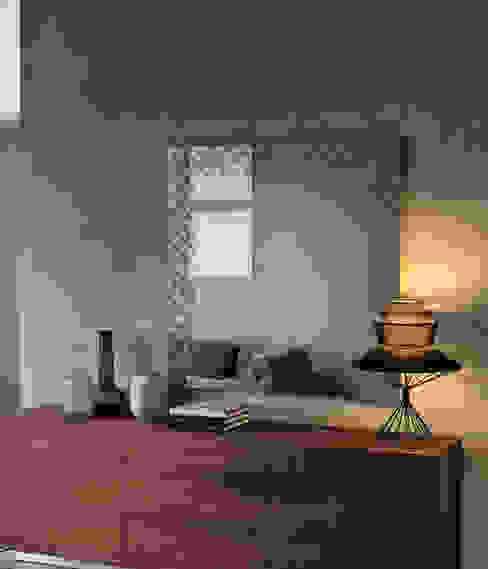 حديث  تنفيذ IQ Furniture, حداثي زجاج