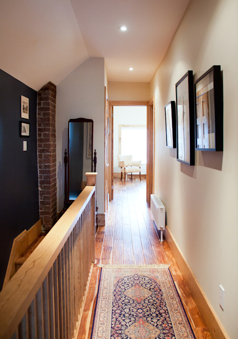 Corridor and hallway by Solares Architecture,