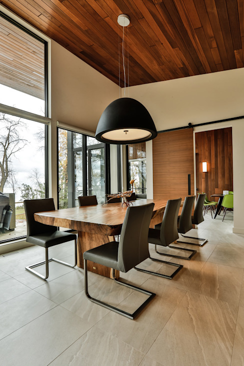Winnipeg beach weekend home Modern dining room by Unit 7 Architecture Modern