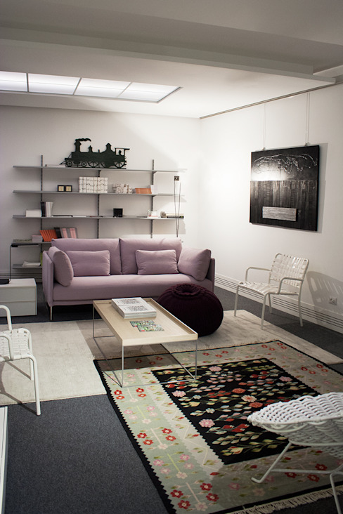 Arch. Vittoria Ribighini Modern living room Pink