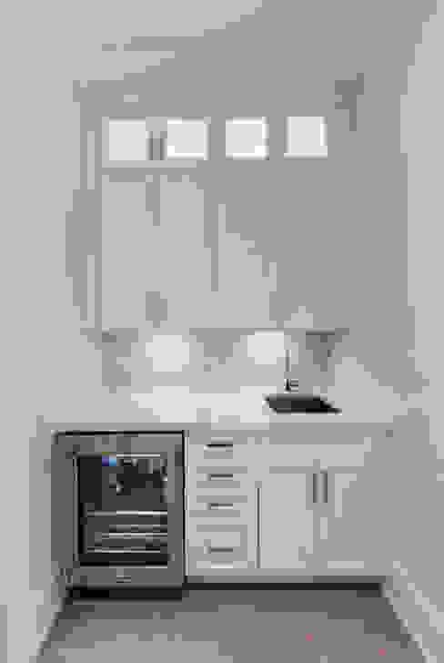 Wanita Rd Project Modern kitchen by Tango Design Studio Modern Quartz