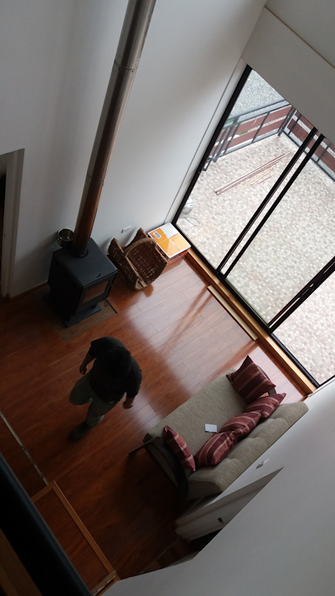 ARQUITECTURA E INGENIERIA PUNTAL LIMITADA Eclectic style corridor, hallway & stairs