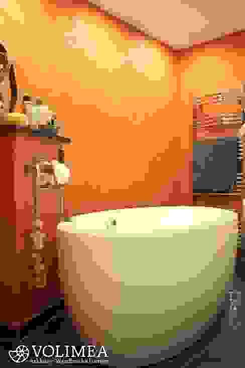 Baños de estilo mediterráneo de Volimea GmbH & Cie KG Mediterráneo Caliza