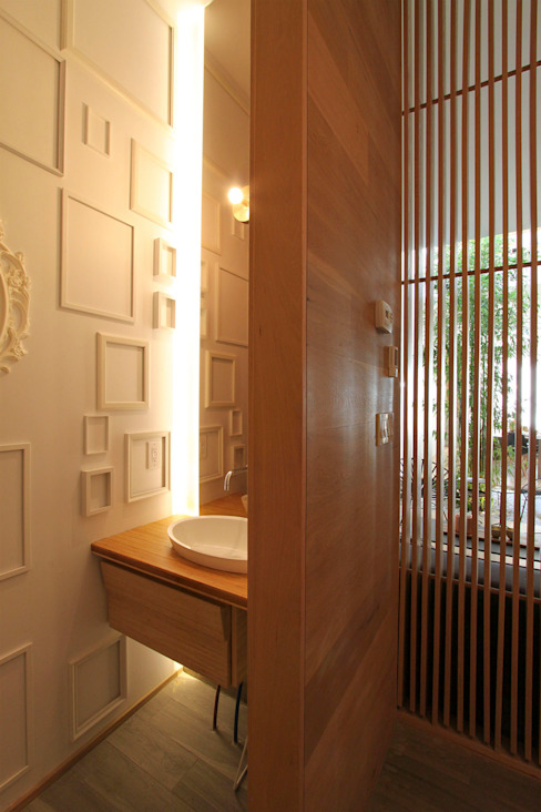 Powder Room Modern bathroom by AtelierSUN Modern Engineered Wood Transparent