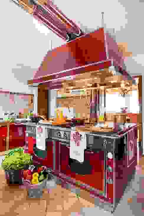 Kitchen by STUDIO CERON & CERON,
