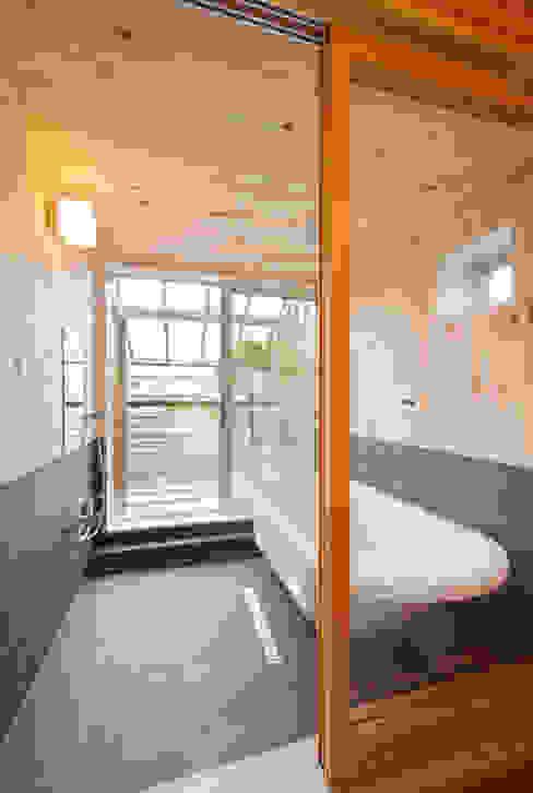 根據 株式会社 建築工房零 隨意取材風 木頭 Wood effect