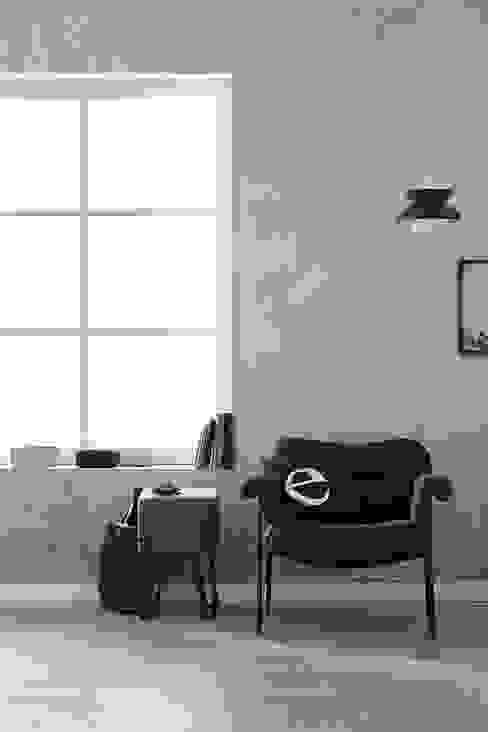 Paredes y pisos de estilo  por A.S. Création Tapeten AG,