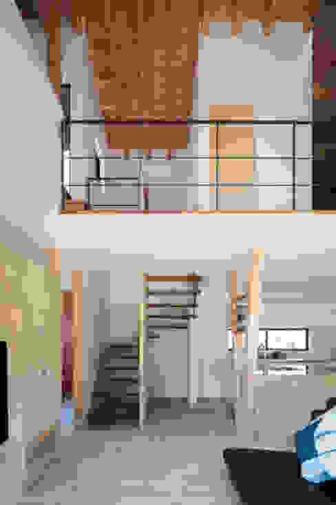 富雄の家 オリジナルデザインの リビング の 井上久実設計室 オリジナル
