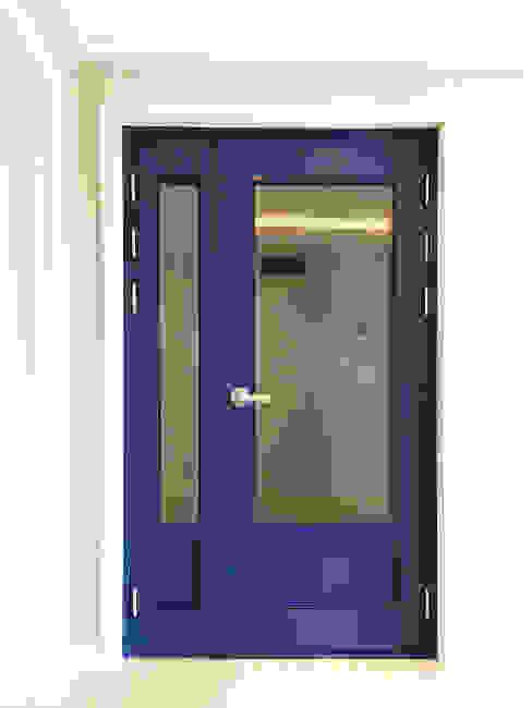 Modern Windows and Doors by 디자인팩토리9MM Modern