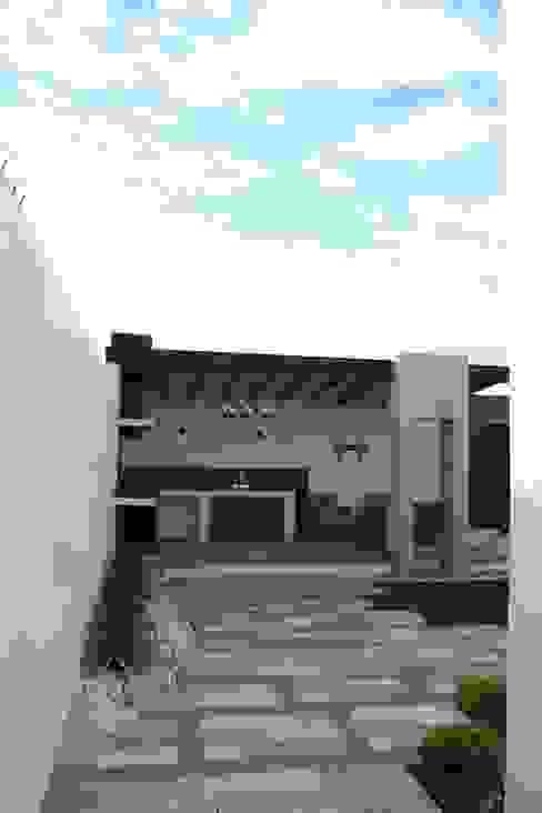 Vista general, patio Daniel Teyechea, Arquitectura & Construccion Balcones y terrazas de estilo moderno