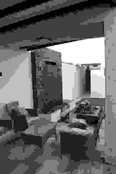 露臺 by Daniel Teyechea, Arquitectura & Construccion, 現代風