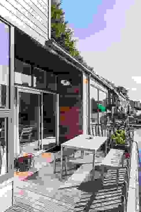 Complete make-over Amsterdamse Woonboot Moderne tuinen van Architect2GO Modern