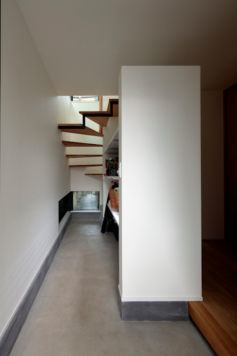 株式会社Fit建築設計事務所 Scandinavian style corridor, hallway& stairs