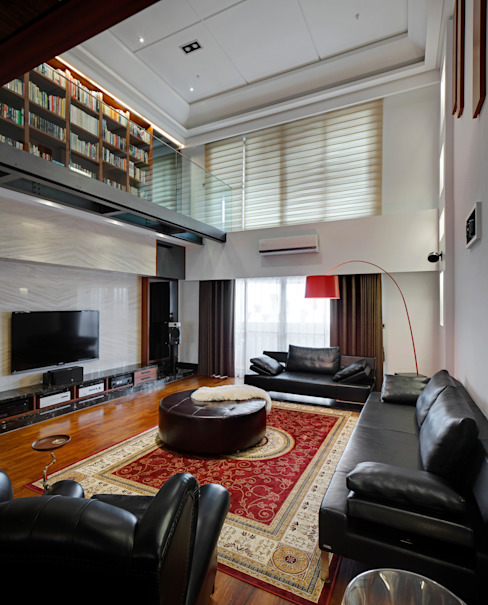 Living room by 光島室內設計,