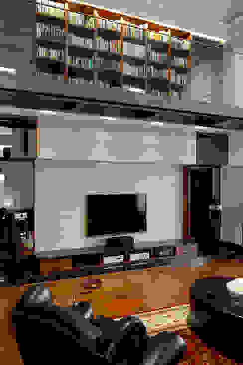 Ruang Keluarga Klasik Oleh 光島室內設計 Klasik