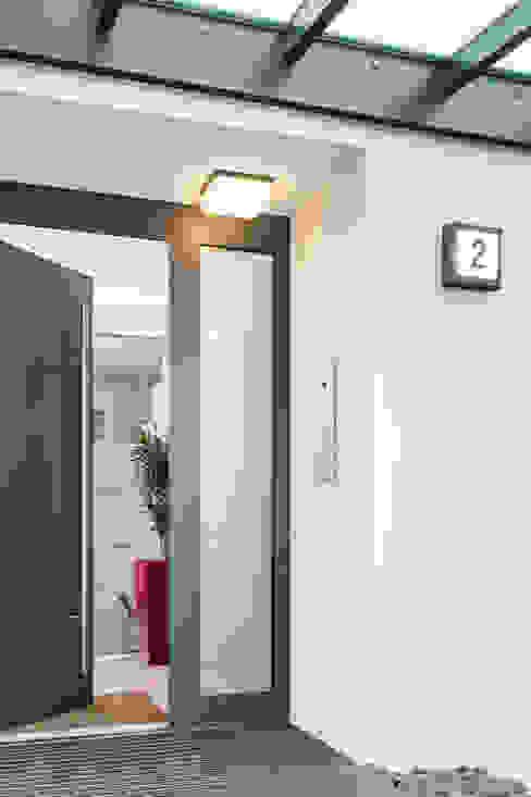 Türkommunikation: Moderne Häuser von casaio   smart buildings Modern