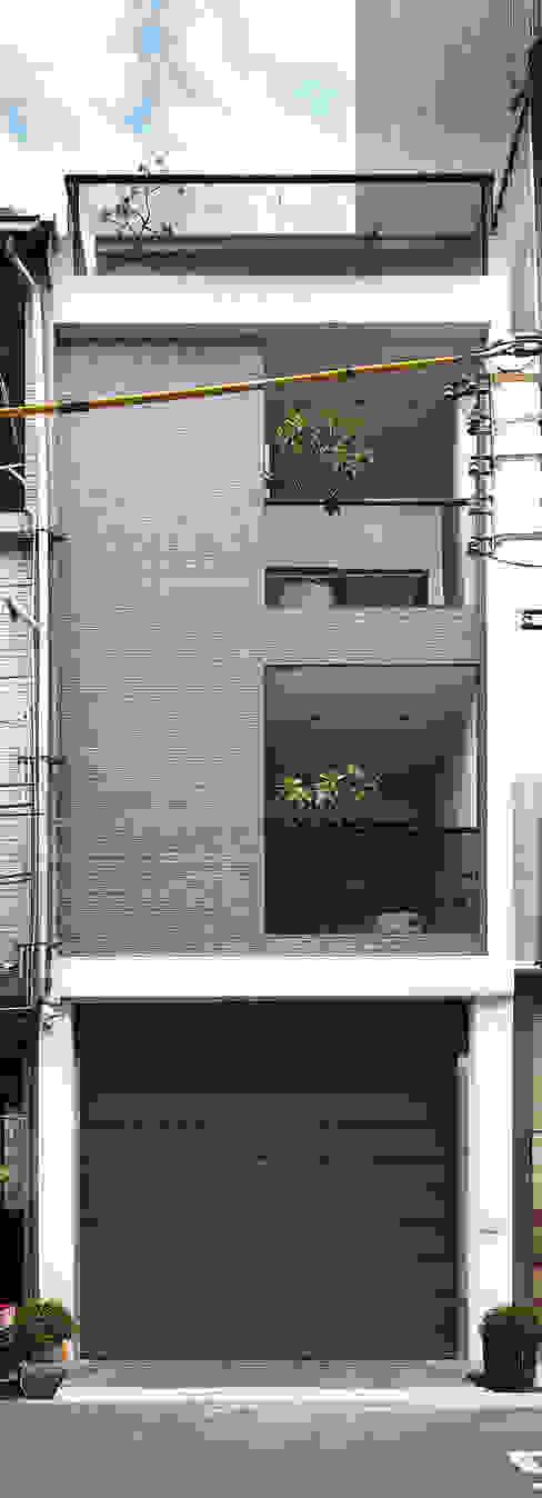 Modern houses by 合觀設計 Modern