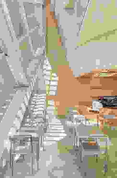 Modern Kitchen by AND(에이엔디) 건축사사무소 Modern